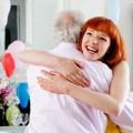 Eva tám - Lấy chồng già, ngoại tình để giải khuây