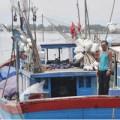 Tin tức - Người đàn ông 50 năm nhặt xác giữa biển khơi