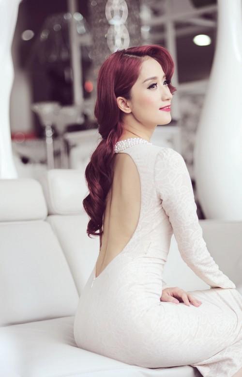 khanh thi sexy khoe lung tran - 7