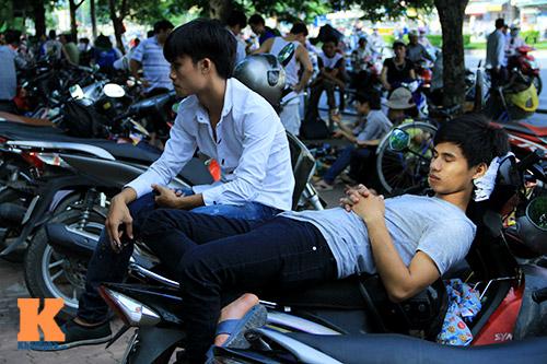 nguoi nha 'doi nang' cho thi sinh thi dai hoc - 6