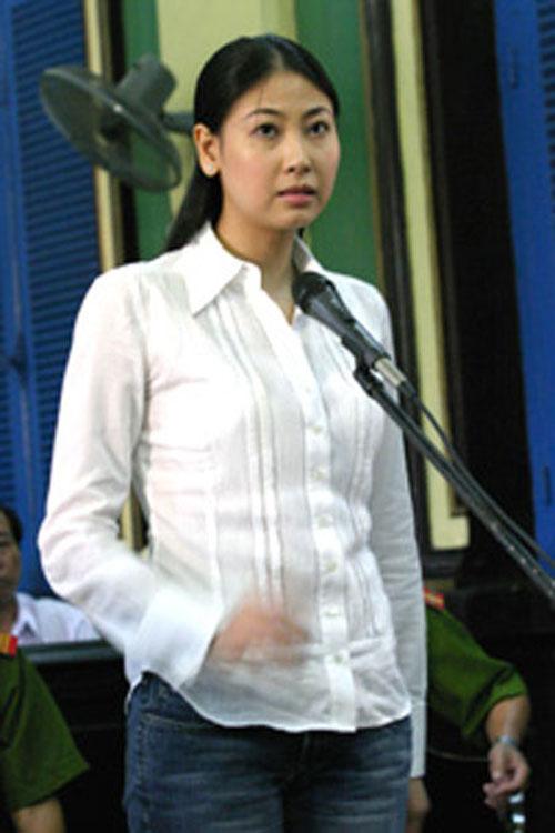 nuoc mat hoa hau (ky 2): phu quan pham phap - 5