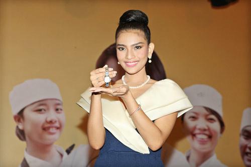truong thi may lan dau khoe em gai - 10