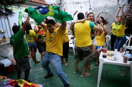 kinh te brazil duoc gi va mat gi tu world cup? - 2