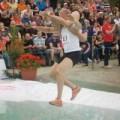 Tin tức - Cuộc thi cõng vợ chạy đua độc đáo ở Phần Lan