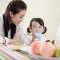 Làm mẹ - Pha sữa cho con: sai là công cốc