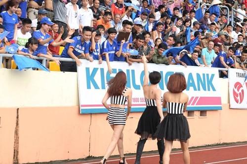 """luu huong giang sexy lam """"nao loan"""" san co - 10"""