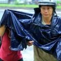 Tin tức - Sĩ tử đội mưa làm thủ tục dự thi ĐH đợt 2