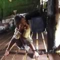 Tin tức - Phẫn nộ bé gái 4 tuổi bị 'mẹ nuôi' xích suốt 2 năm
