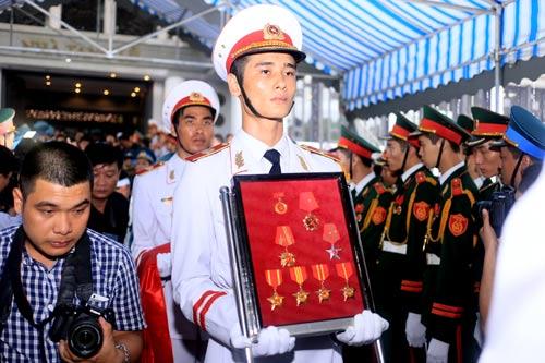 nghen ngao tang le 18 chien sy vu may bay roi - 7
