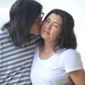 Ngọc Lễ lãng mạn hôn lên má Phương Thảo