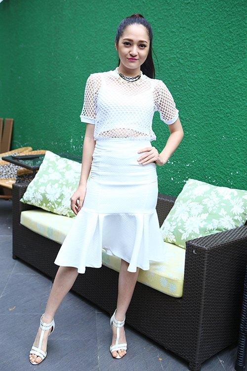 bao anh quyen ru voi xu huong 'white on white' - 2