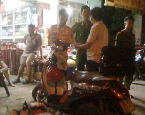 tong 3 me con trong thuong, xe hop lexus bo tron - 1