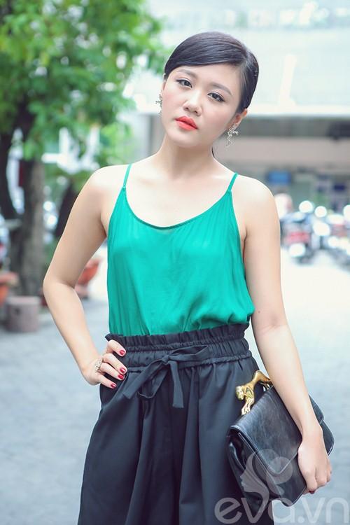 van mai huong sanh dieu voi ao hai day ra pho - 6