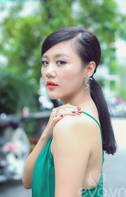 van mai huong sanh dieu voi ao hai day ra pho - 9