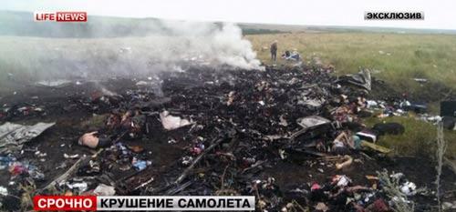 mh17 roi o ukraine: xac nguoi nam la liet tai hien truong - 20