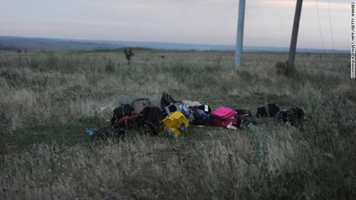mh17 roi o ukraine: xac nguoi nam la liet tai hien truong - 6