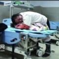 Tin tức - Bé 14 tháng tuổi chết ngạt vì bị bố úp mặt xuống đệm