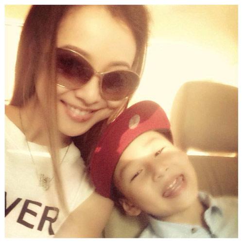 jennifer pham hanh phuc don con trai ve nuoc - 1