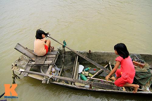 nhung phan doi lenh denh ben dong song cau - 16
