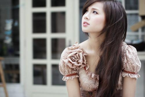 duong tinh lan dan cua nhung hot girl lan san showbiz - 5