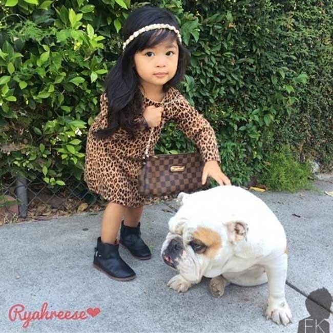 Cô bé với tài khoản Instagram @ryahreese là một trong những bé gái có hình ảnh ấn tượng nhất tháng 7, do Fashion Kids lựa chọn.