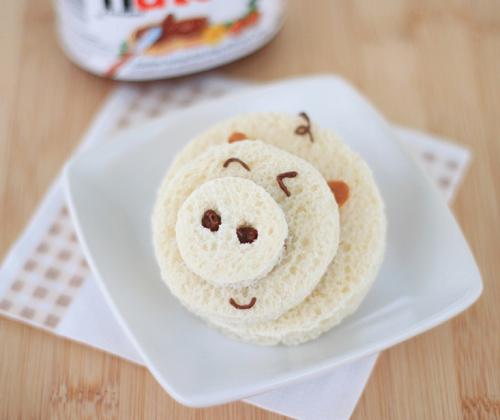 lam cho be banh sandwich hinh heo - 4