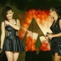 Làng sao - Phương Vy lần đầu khoe em gái trên sân khấu