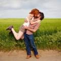 """Tình yêu - Giới tính - Thả hồn với bộ ảnh: """"Nụ hôn nhấc bổng"""""""