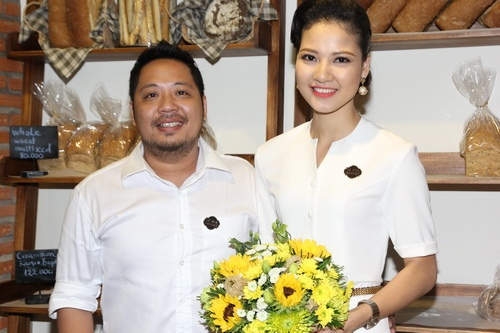 tran thi quynh hanh phuc ben chong con - 6