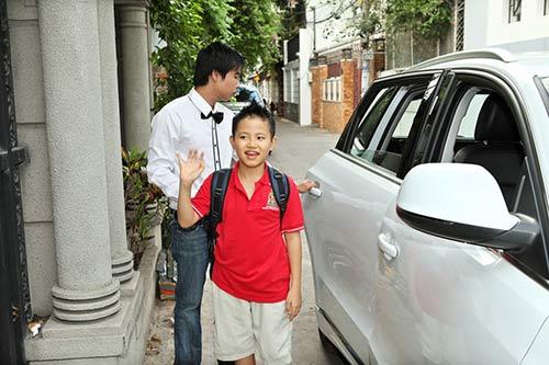 con trai uyen thao va phuong my chi duoc khen ngoi - 3