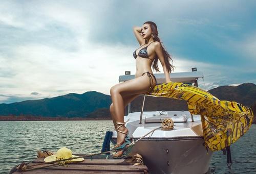 Diện bikini mùa hè đẹp như Jenny Nguyễn - 1