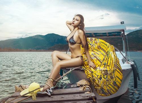 Diện bikini mùa hè đẹp như Jenny Nguyễn - 2
