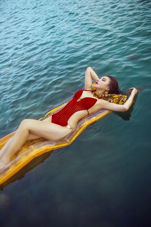 Diện bikini mùa hè đẹp như Jenny Nguyễn - 9