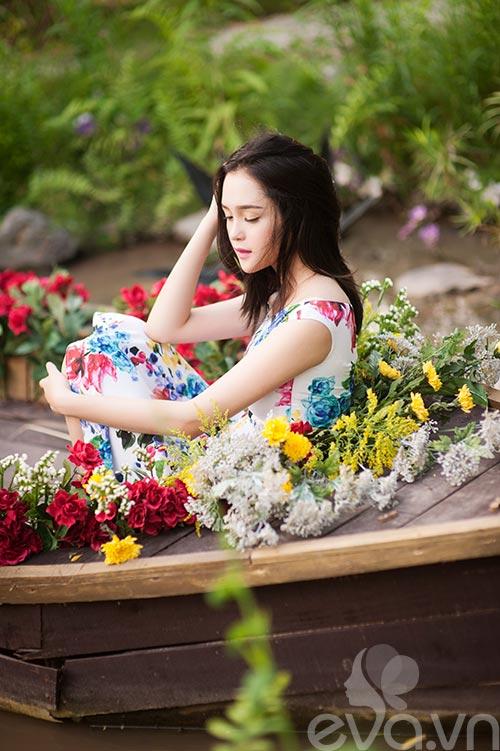 a hau hoang anh ruc ro vay hoa - 13