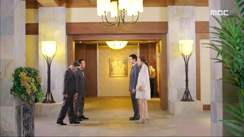 soi khach san, can ho xa hoa trong phim 'hotel king' - 3