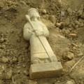Tin tức - Phát hiện tượng cổ bằng đá còn nguyên vẹn ở Hà Tĩnh