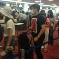 Làng sao sony - Lưu Thi Thi và Ngô Kỳ Long tình tứ tại sân bay