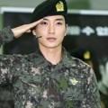 Làng sao - Trưởng nhóm Lee Teuk (Suju) sẽ lặng lẽ xuất ngũ
