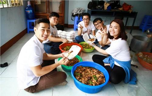 ai phuong, nguyen khang gian di dong hanh - 7