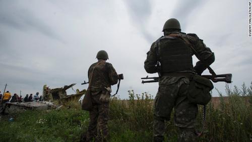 dung dieu tra vu mh17 roi do giao tranh ac liet o ukraine - 1
