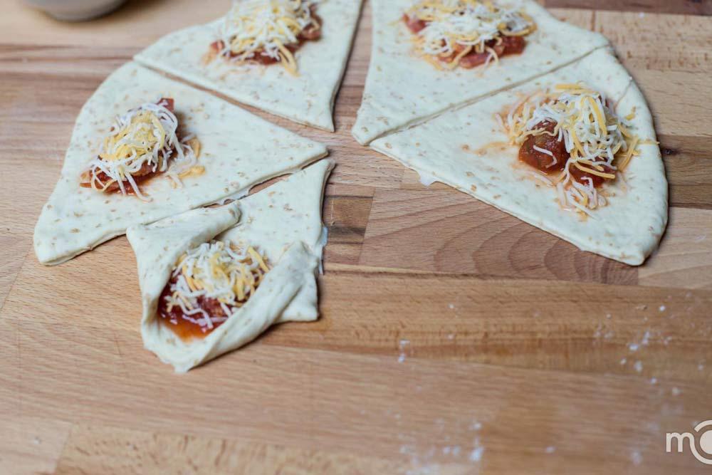 Bánh pizza cuộn giòn giòn, hấp dẫn-6