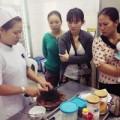 Làm mẹ - Cận cảnh lớp học nấu ăn dặm ở BV Nhi đồng I