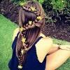 Làm đẹp - Cách tết tóc đính hoa đẹp 'mê li'