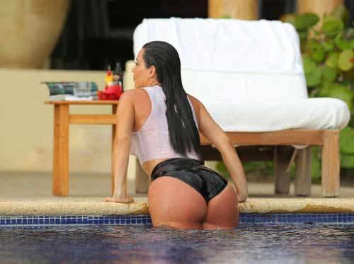 kim kardashian 'que mua' khi la tro ly cua paris hilton - 13