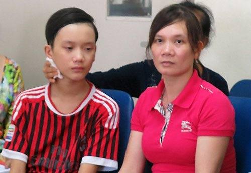 Cậu bé 13 tuổi bỗng dưng bị liệt sau một đêm ngủ dậy-1