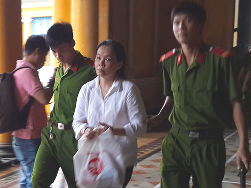 tang an ba ban hoa lua 76 nguoi choi hui - 1