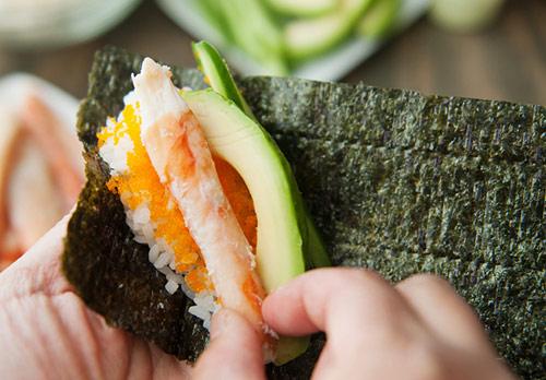 tu lam sushi hinh oc que thom ngon - 8