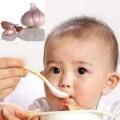 Làm mẹ - Trị dứt viêm họng cho con nhờ tỏi nướng