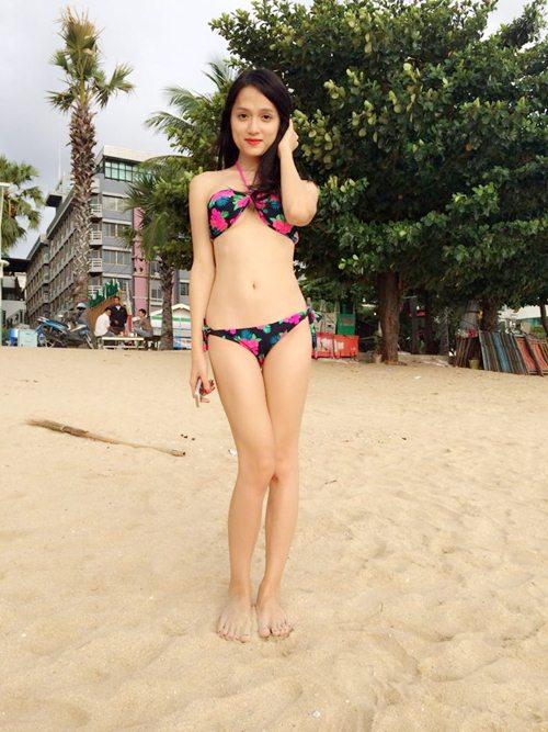 huong giang idol tu tin khoe duong cong boc lua - 1