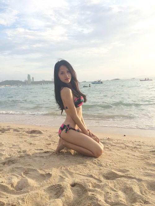 huong giang idol tu tin khoe duong cong boc lua - 2